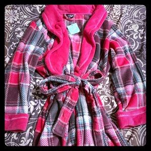 💞NWT- Plush Ulta Beauty Bathrobe!